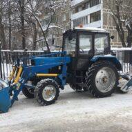 трактор ПУМ С ЩЕТКОЙ И ФРОНТАЛЬНЫМ КОВШОМ (1)